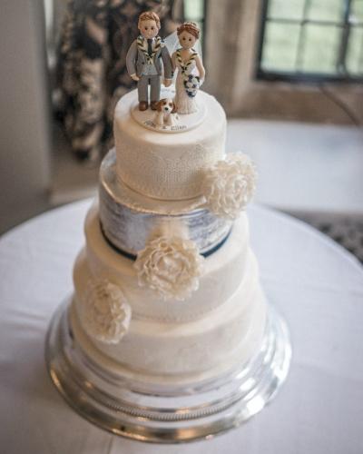 Elegant-Wedding-Cake-Honey-Lane-Bakery-Henley-scaled