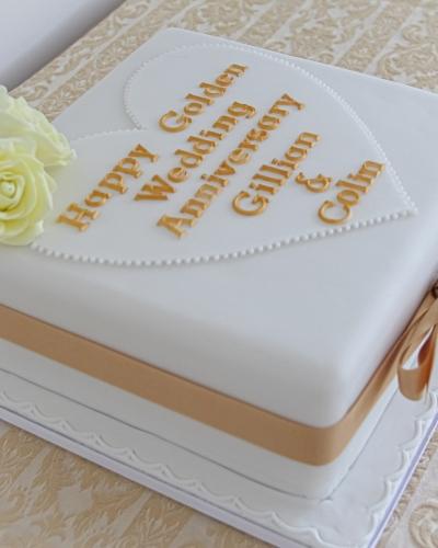 Golden-Wedding-Anniversary-Cake-Honey-Lane-Bakery-Henley-2-scaled