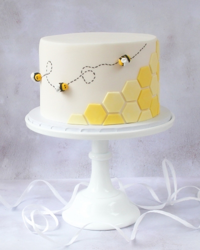 Honey-Bee-Cake-Honey-Lane-Bakery-Henley-6