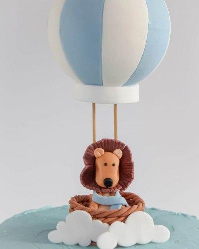 Hot-Air-Balloon-Christening-Cake-Honey-Lane-Bakery-Henley-2-scaled