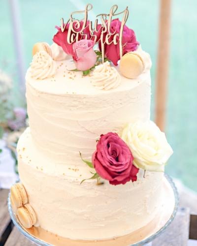 Summer-Wedding-Cake-Honey-Lane-Bakery-Henley