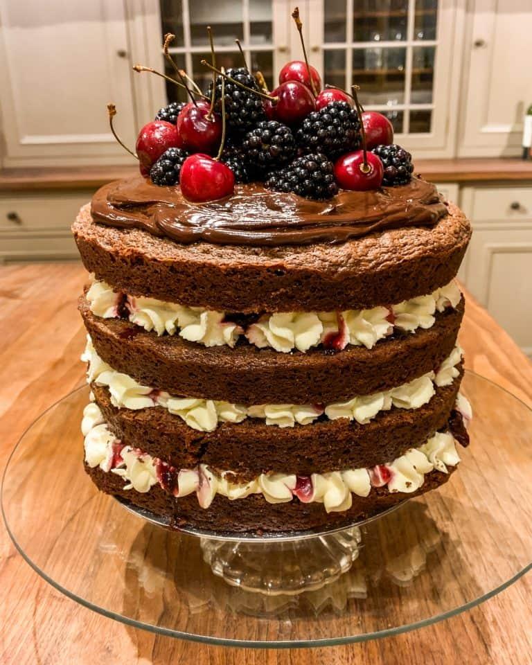 Henley Bespoke cake